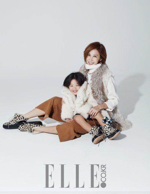 Uhm Tae Woong's Daughter Uhm Ji Ohn & Yoon Hye Jin (Mom) - ELLE Korea Magazine