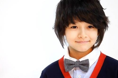 Maknae of group Seventeen, Samuel, born in 2002. So cute~^^