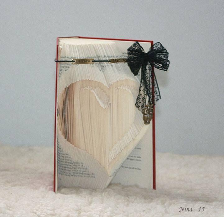 Bookfolding by Nina