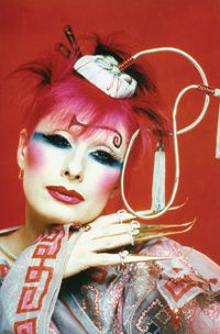 Zandra Rhodes photographed by Robyn Beeche.jpg I had the wonderful experience of meeting Robyn Beeche today at the University of Technology Sydney