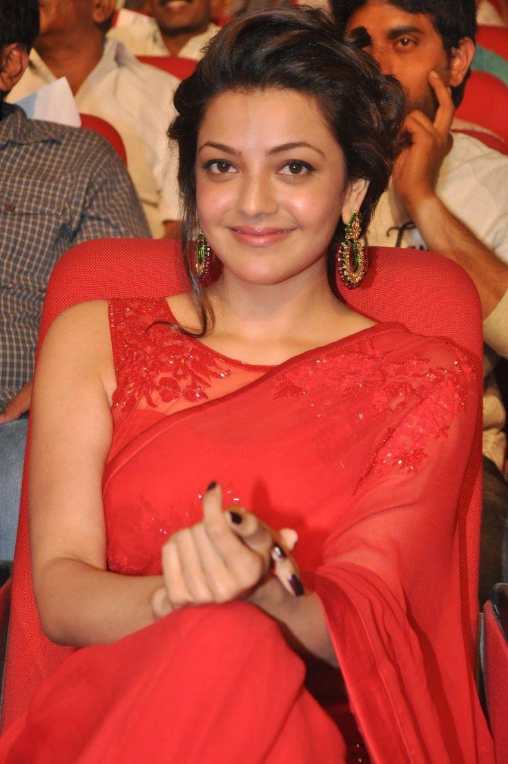 Kajal-Agarwal-looking-sexy-saree