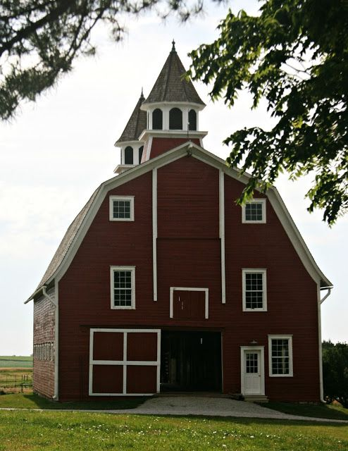The Red Barn what a beautiful site. #barn