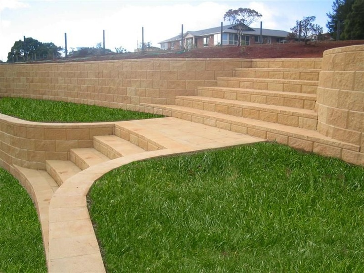 37 best images about ideas for the house on pinterest for Curved garden wall ideas