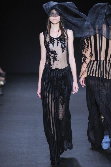 Sfilata Ann Demeulemeester Paris - Collezioni Primavera Estate 2014 - Vogue
