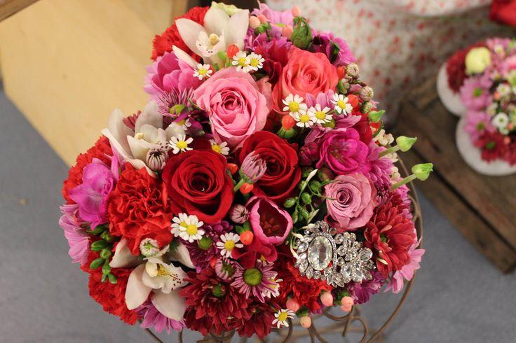 Srdce z ruží 40 € http://www.kvetysilvia.sk/donaskova-sluzba/