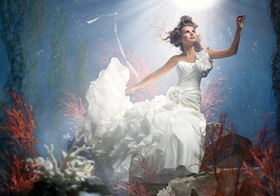 Per la serie Abiti delle Principesse Disney- un matrimonio da favola: La sirenetta, Ariel
