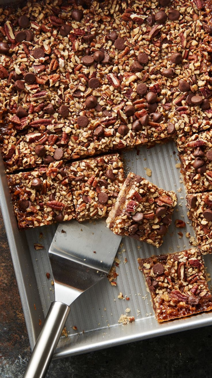 The classic pairing--chocolate and caramel--comes together once more in a simple, scrumptious bar. (Oh, and pecans and graham cracker crust too.) Yum! :)