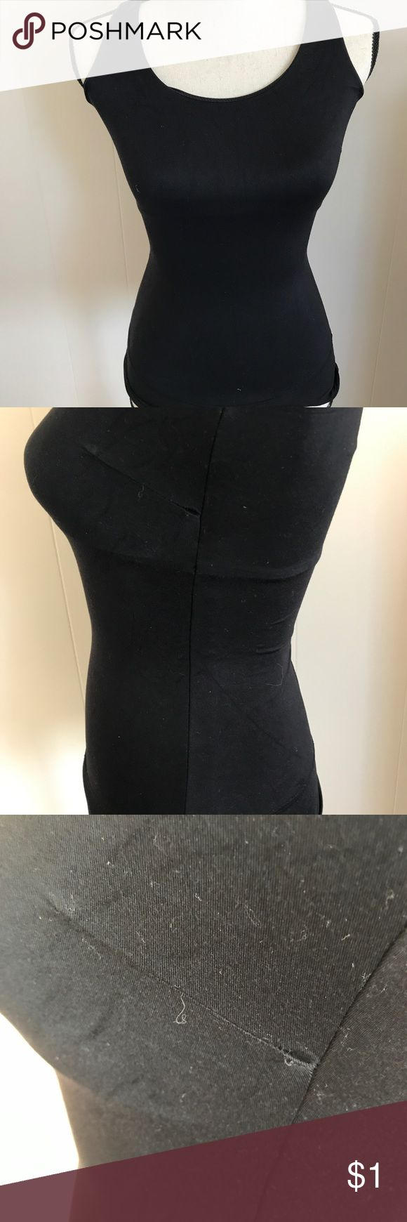 Assets by Spanx tummy tamer Tummy tamer by the Assets by Spanx. Review pics one side seem is coming undone but it's functional just needs minor sewing. Other