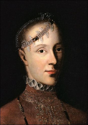 What an unusual 16th century hair ornament! Portrait of Katarina Gustavsdotter Vasa, Princess of Sweden (1539-1610). Painting circa 1559. The National Museum.