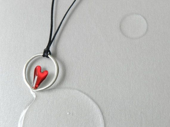 Silver heart hoop tiny necklace :Modern gift, love heart gift!