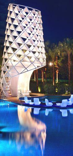 Pool at the W Singapore, Sentosa Cove, Singapore | www.bocadolobo.com #bocadolobo #luxuryfurniture #exclusivedesign #interiodesign #designideas #luxury #luxuryfurniture #luxurylifestyle #luxuryhouse #luxuryhome #mansion #villa