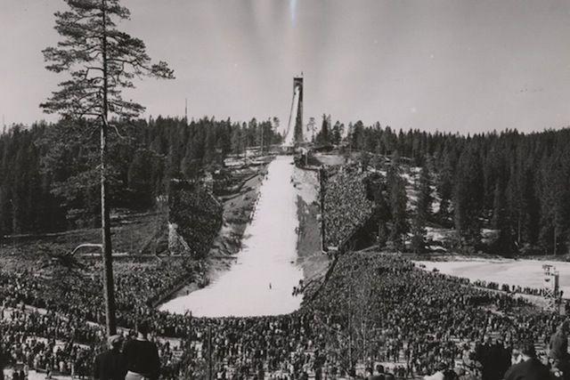 Un appartement terrasse construit au sommet d'une rampe de ski, à 60 mètres de haut, c'est le pari pris par l'entreprise AirBnB. Un lieu et une chambre atypique à découvrir à Oslo, en Norvège. Qui a envie de partir en vacances à la montagne ?