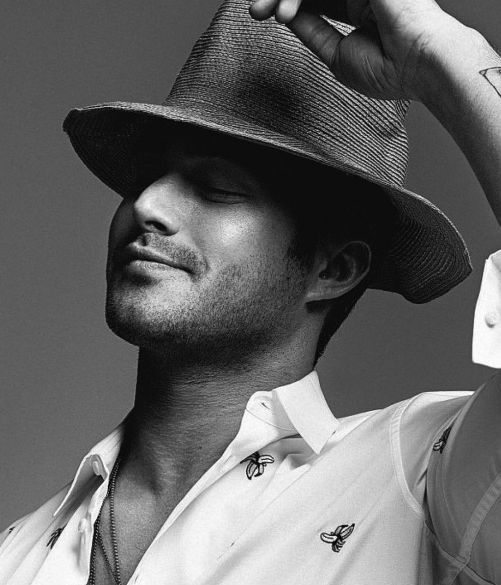 81 best images about taylor kinney on pinterest theater for Taylor kinney tattoos