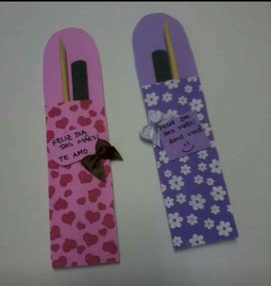 """Olá!!!  encontrei essas ideias para o Dia das Mães no face, na página """"Arte da Educação"""".  Espero que gostem :)"""
