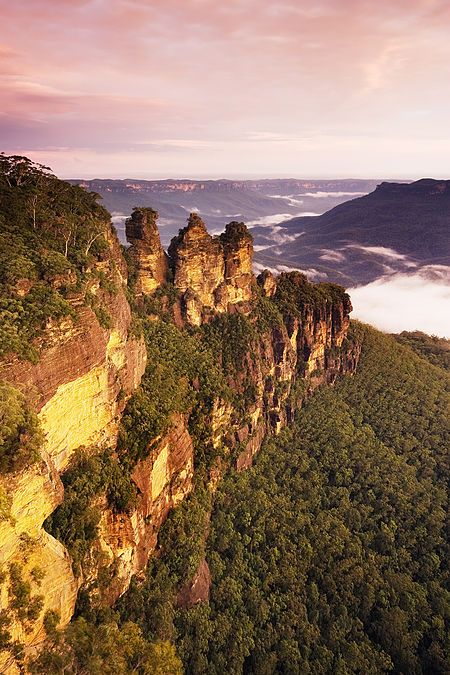 Three Sisters Sunset Blue Mountains New South Wales
