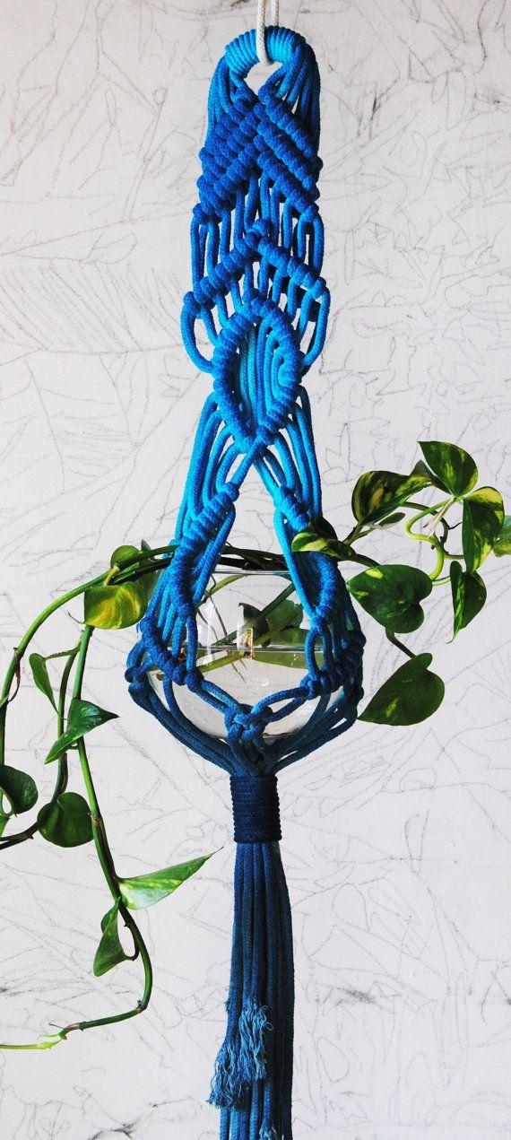 Etsy の Macrame Plant Hanger by SlowDownProductions