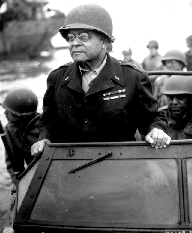 benjamin o davis jr essay General: benjamin o davis, sr, 1940  jr, 1957 flight attendant: ruth carol taylor, 1958 president of girl scouts, usa, gloria dean randall scott, 1975.