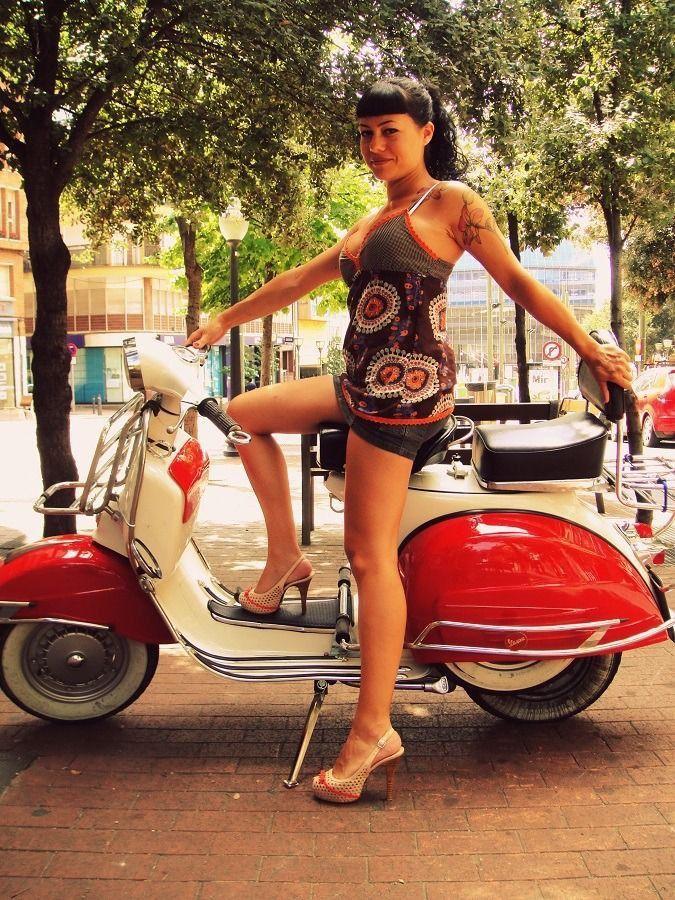 Sexy Lady On Vespa Piaggio Moto Lambretta Scooter Primecurves 1
