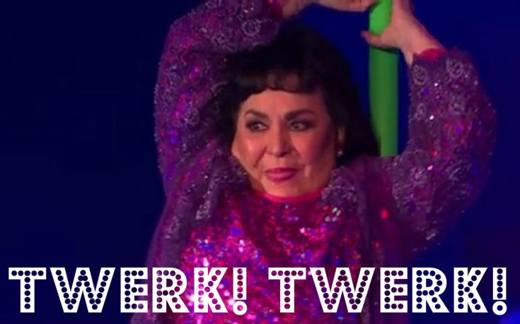 <b>Carmen Salinas Lozano nació un 5 de octubre de 1933 en Torreón, Coahuila. Entre el kilométrico curriculum de la empresaria y actriz, se encuentran participaciones en cantidad de telenovelas y filmes como <i>¡Que Viva Tepito!</i> y <i>Entre Ficheras Anda el Diablo: La Pulquería 3</i>. Gracias a cantidad de memes y su aparición en <a…