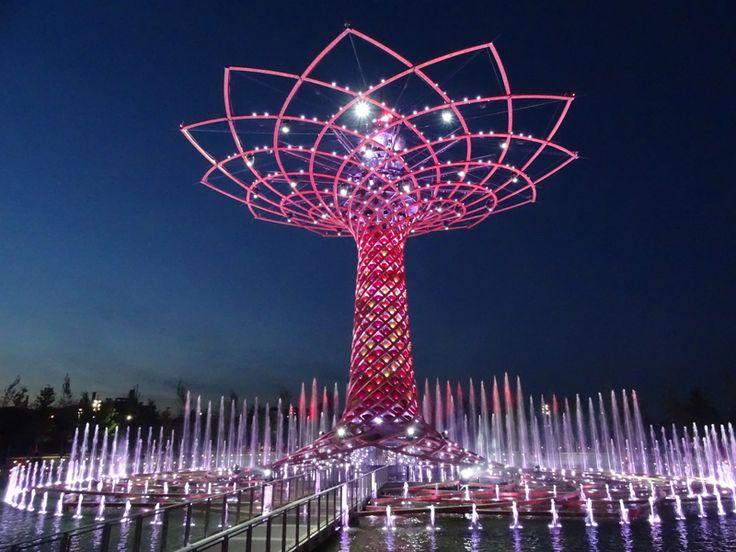 L'Albero della Vita, all'interno di Expo 2015, è il simbolo del Padiglione