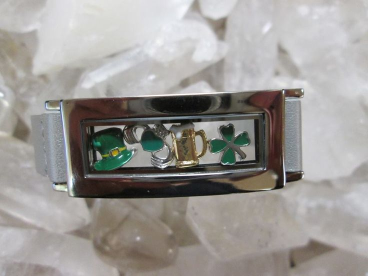 A locket bracelet with St. Patrick's Day charms! What could be better? www.southhilldesigns.com/kkennedy