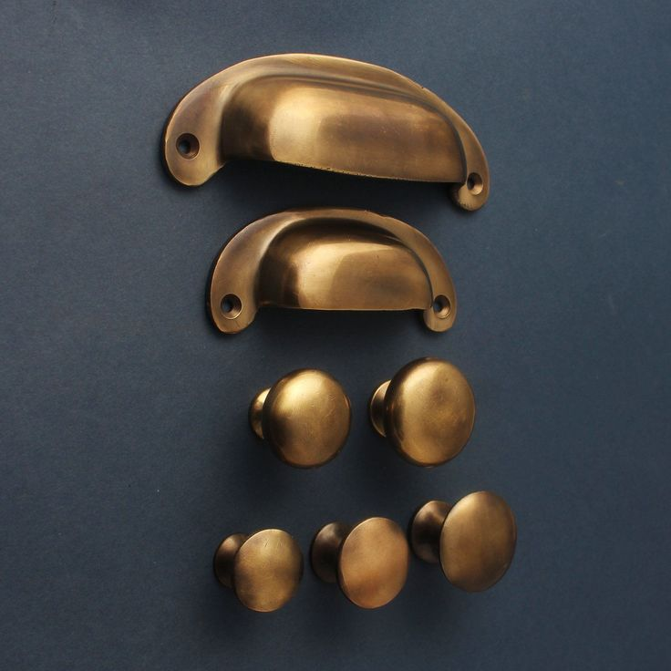 Aged Brass Cabinet Knobs & Drawer Pull Handles