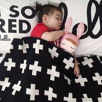 Nieuwe hete verkoop kruis 2015 ins katoenen handdoek deken baby deken zachte baby dekens 110cm*130cm zwart en wit