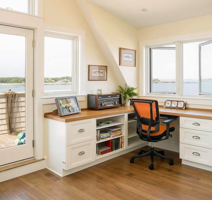 I think the view from this adorable office would make it hard to get any work done! Caleb Johnson Architects + Builders