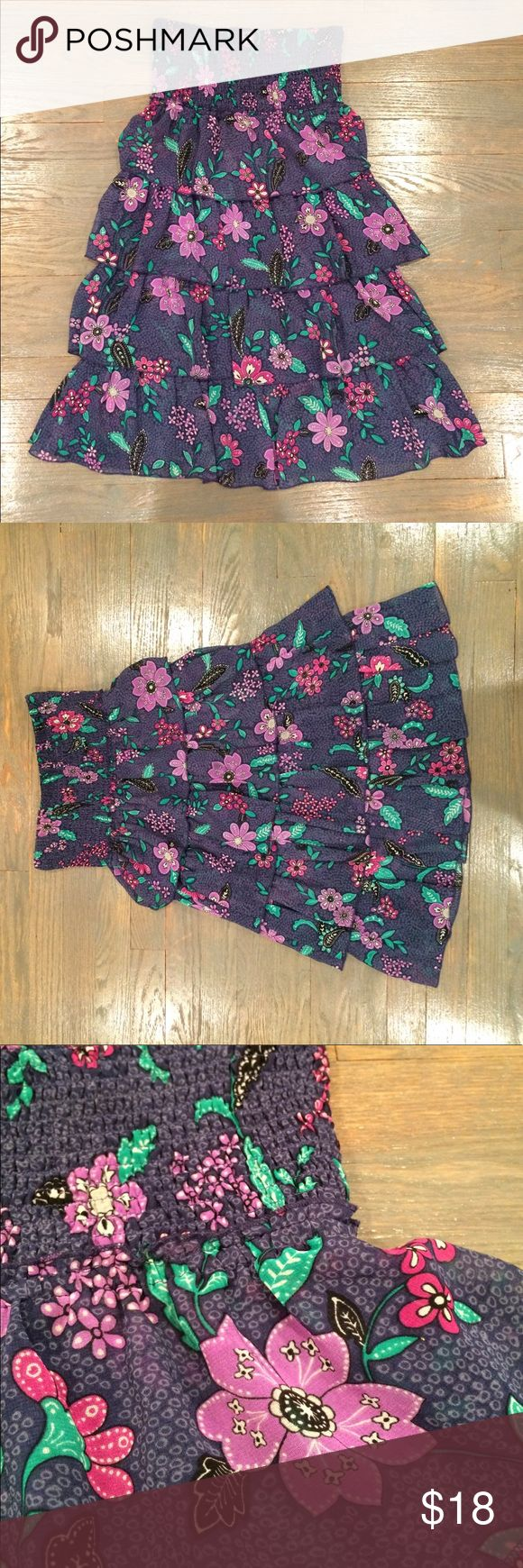 Floral, flowy, American eagle dress! Super cute ruffled floral summer dress. Serves great as a going out dress or as a cover up! American Eagle Outfitters Dresses Strapless
