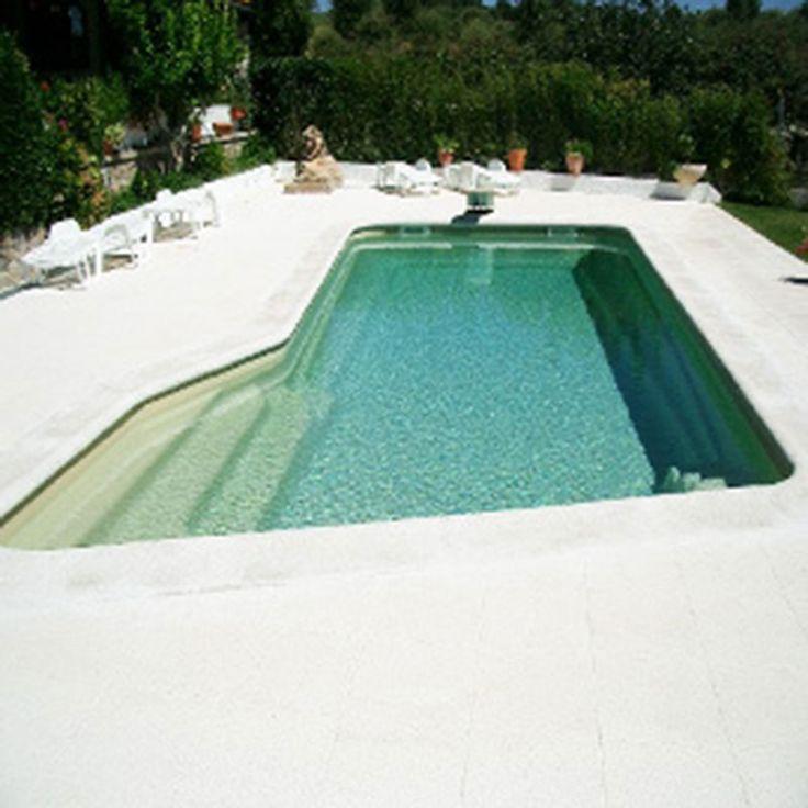 Una piscina diferente, para una persona diferente. Disfrútala.