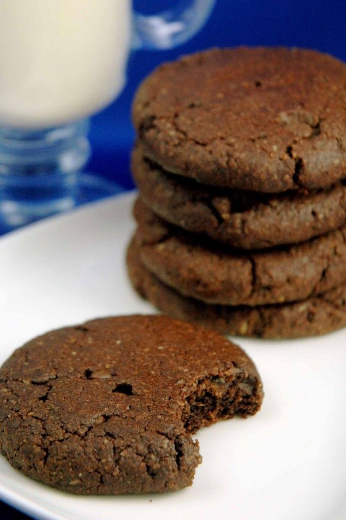 Chocolate tahini cookies - use almond meal to make Paleo