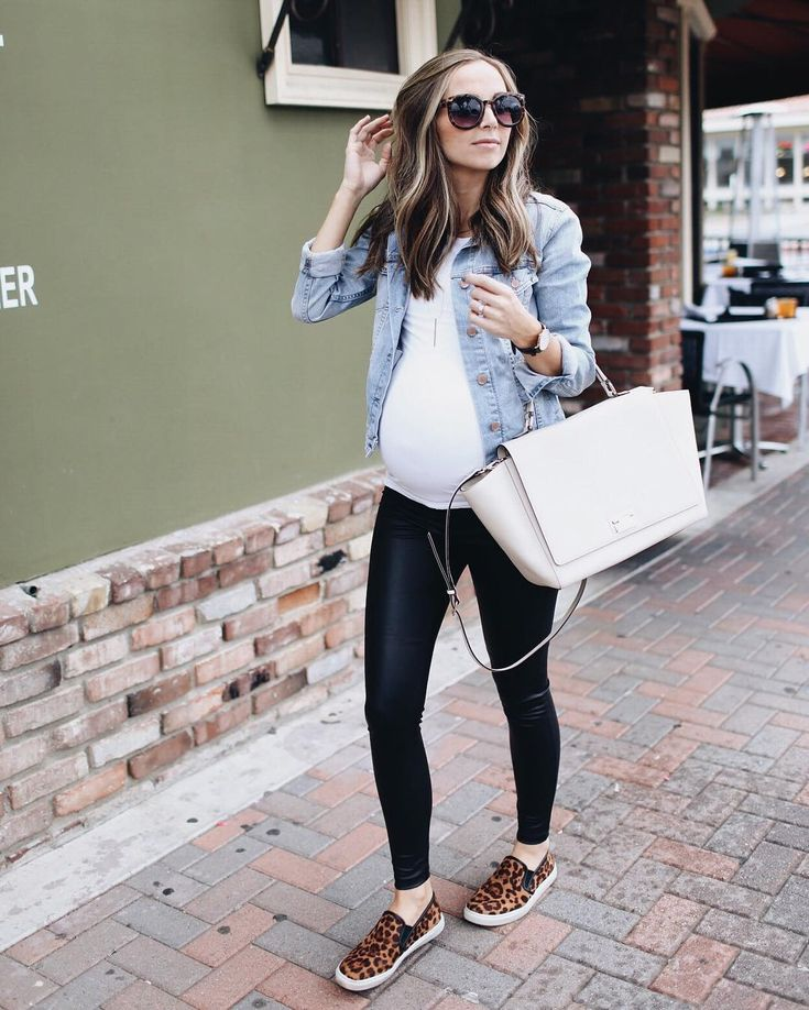 I'm taking a few weeks off of blogging to snuggle this new babe but pre-schedule… – Maternity Outfits