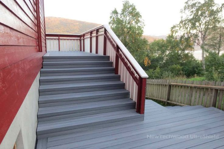 Norge Terasse by NewTechWood UltraShield, please visit www.newtechwood.com for more information.