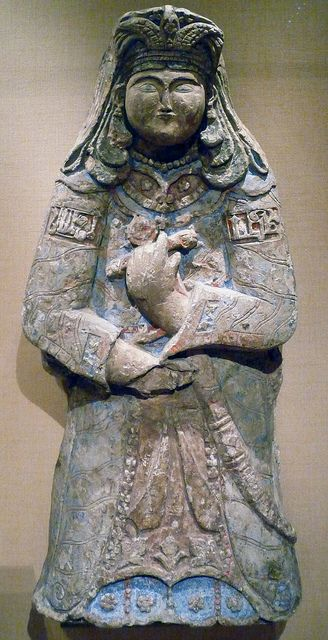 Two Royal Figures (right) by profzucker, via Flickr