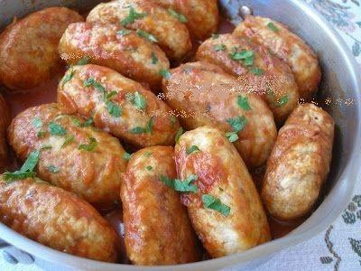 ГРЕЧАНИКИ - вкусные котлеты (мясо, гречка, яйца, лук --в томатном соусе)
