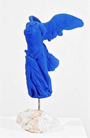 les 40 meilleures images du tableau bleu klein ikb sur pinterest bleu yves klein et art bleu. Black Bedroom Furniture Sets. Home Design Ideas