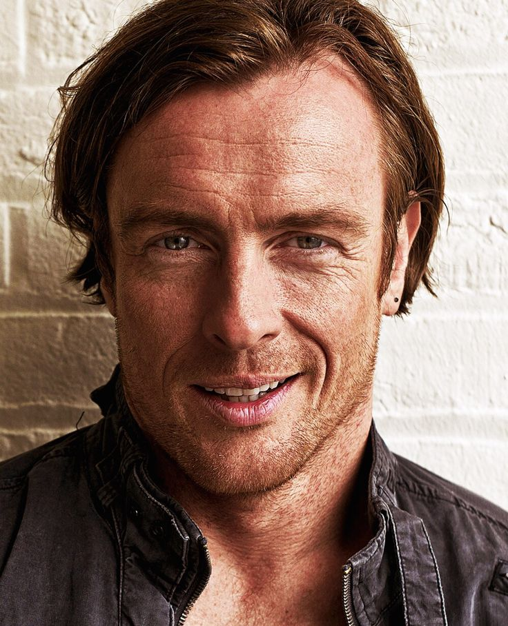 Black Sails (Starz): Toby Stephens as Captain Flint | TVShow Time