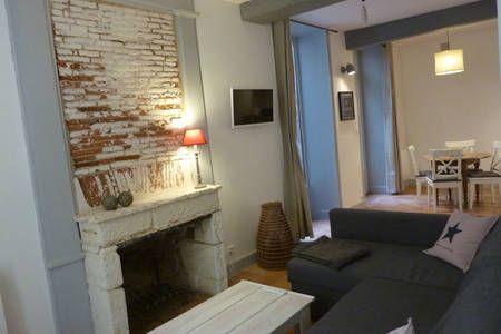 Regardez ce logement incroyable sur Airbnb : Appart terrasse centre historique à La Rochelle