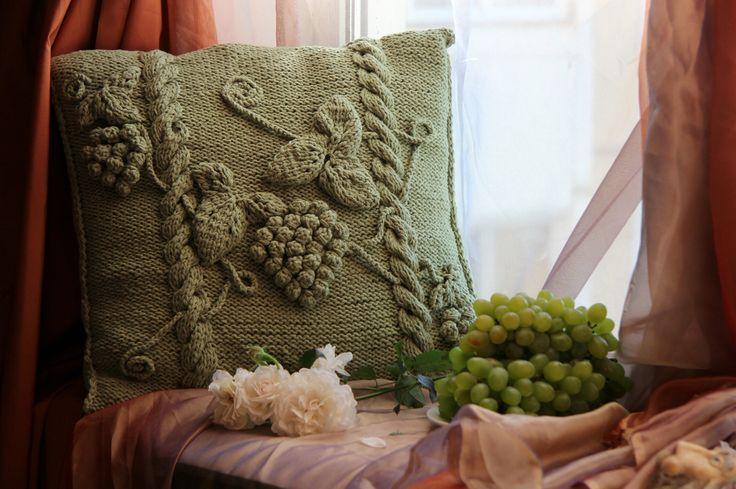 Вязаная подушка Сезон урожая. My Celtic vine pillow handmade