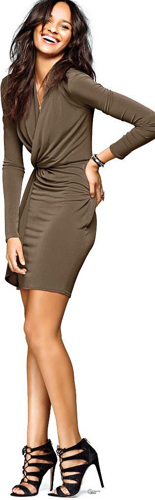 Victoria's Secret ● Surplice Dress