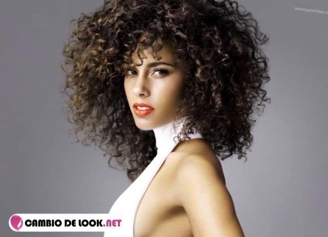 Alicia Keys como se maquilla -