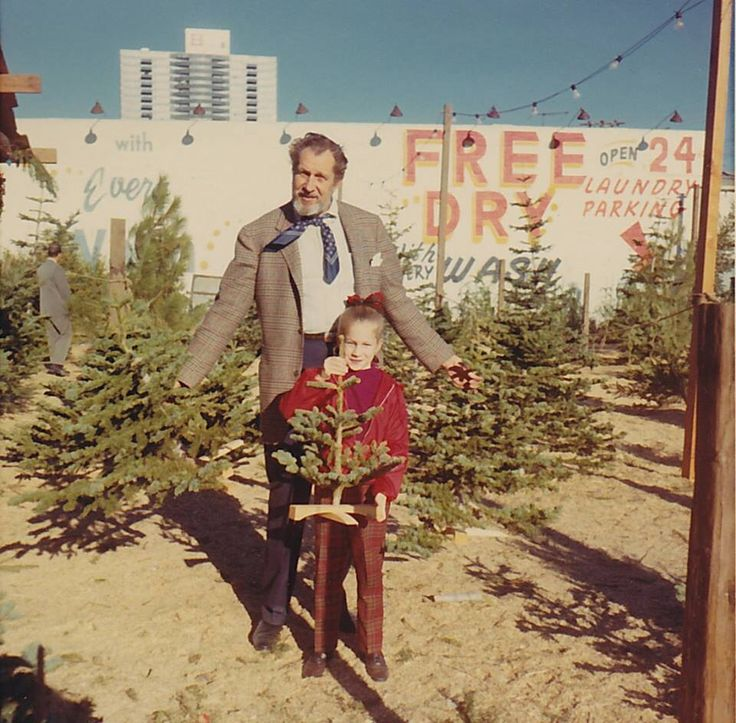 Christmas tree shopping with Vincent Price. This is why I love pinterest.