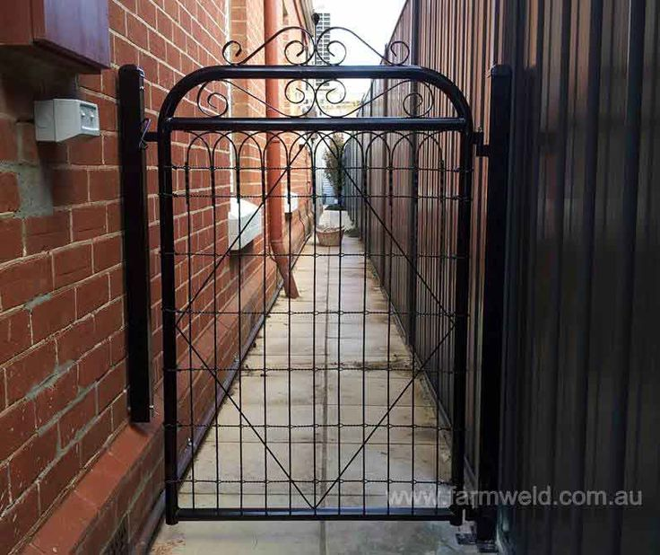 'Vanessa' 900mm side gate with emu wire insert and decorative scrollwork. Glenelg, Adelaide, SA