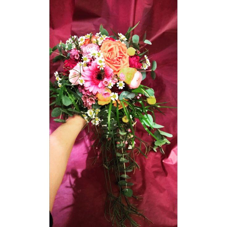 Brudebukett i friske farger.