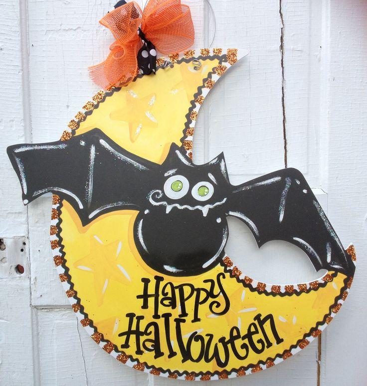 Cute Halloween door hanger.  FREE personalization!  www.pinderellas.com