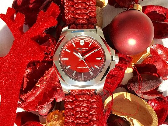 """Die Armbanduhren von Victorinox stehen für """"Swiss Made"""" Qualität. Besonders robust sind die INOX Herrenuhren. Wenn Ihr ein ganz spezielles Weihnachtsgeschenk sucht, sind die Armbanduhren von Victorinox genau die richtige Wahl.  https://www.uhrcenter.de/uhren/victorinox/ #Victorinox #uhrcenter #Uhr #watch #INOX #SwissMade #xmas #Weihnachten #robust #klassisch #Accessoire #Herrenuhr #Qualität #Fashion #Lifestyle #Geschenkidee #Picoftheday #Photooftheday #Tipoftheday"""