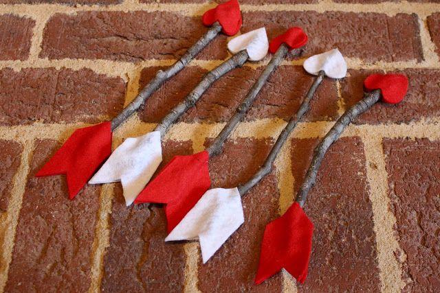 Antsi-Pants: Felt & Stick arrows. Jackie they must have seen Ryan's Valentine photos from last year lol! @Jackie Monak