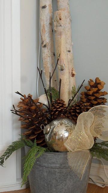 Zinkeimer weihnachtlich dekoriert