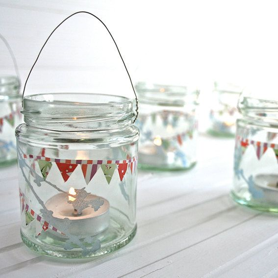 paper bunting, tea lights, glass jar ~ adorable!