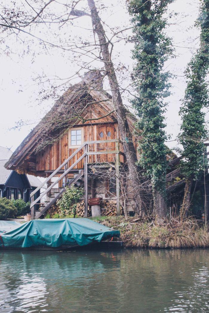 Der Spreewald ist ein ganz besonderer Fleck Erde. In unseren Spreewald Insider Tipps erfahrt ihr die schönsten Plätze & was ihr dort nicht verpassen dürft.